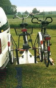 Allround Dreiradträger plus norm. Fahrrad Typ UT für d. Anhängerkupplung AHK Fahrradträger für Dreirad