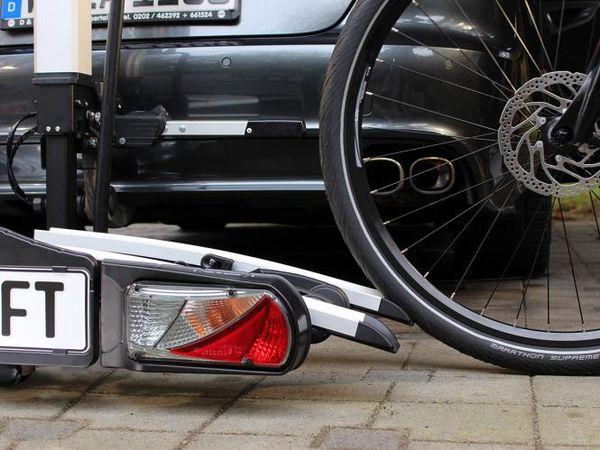eal bike lift fahrradtr ger f r 2 fahrr der als hecktr ger der eufab bike lift als hecktr ger. Black Bedroom Furniture Sets. Home Design Ideas
