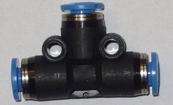 ( LF2) Verbinder, T- Stück, f. Schlauch schwarz 4,00 mm
