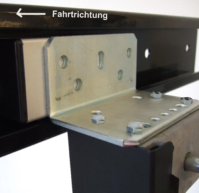 Zubehör: MOCA Hub Stützen Adapter zur Montage am Längsträger (außen offen)