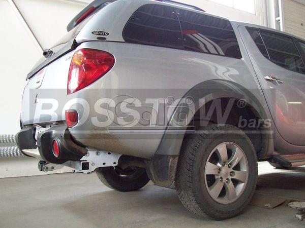 Anhängerkupplung Mitsubishi L200 4WD, Fzg. ohne Stossstange, Baureihe 2006-2009  horizontal