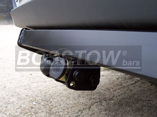 Anhängerkupplung für VW-Crafter - 2006-2017 30-35, Kasten, Radstd. 4325mm, Fzg. ohne Trittbrettst. Ausf.:  horizontal