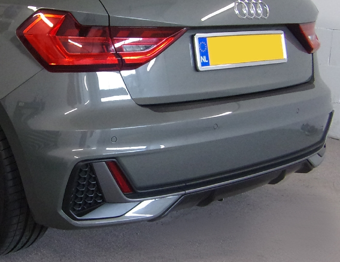 Anhängerkupplung Audi-A1 5-Türer Sportback Typ GB, speziell S-Line, nur für Heckträgerbetrieb, Baujahr 2019- Ausf.:  vertikal