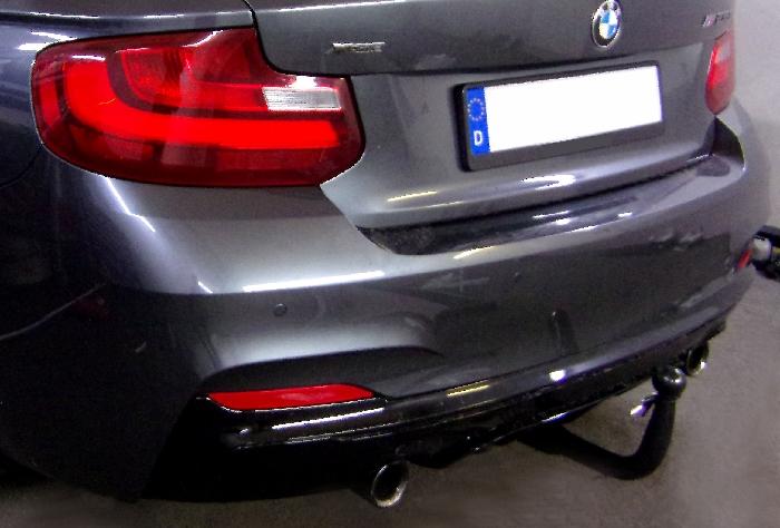 Anhängerkupplung für BMW-2er - 2014-2016 F23 Cabrio, speziell M235i xDrive nur für Heckträgerbetrieb Ausf.:  vertikal