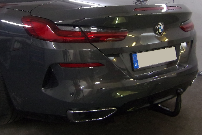 Anhängerkupplung BMW-8er G14 Cabrio, nur für Heckträgerbetrieb, Montage nur bei uns im Haus, Baujahr 2019-