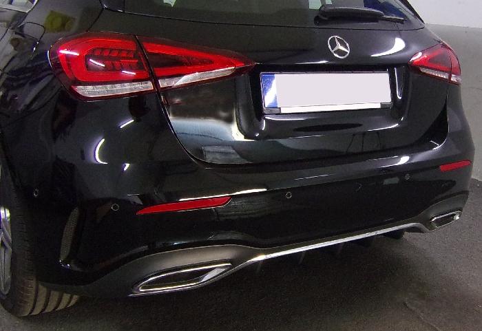 Anhängerkupplung Mercedes-A-Klasse V177 Limousine, spez. AMG-Line, Baujahr 2018- Ausf.:  vertikal