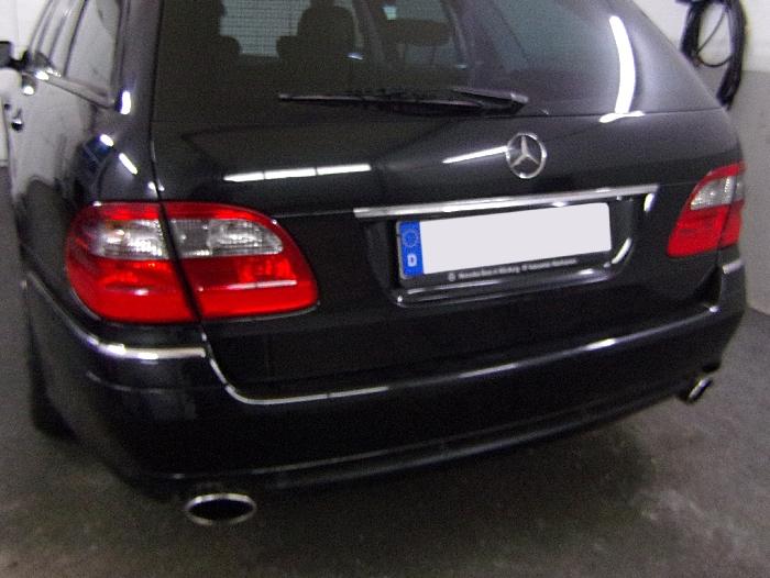 Anhängerkupplung Mercedes-E-Klasse Kombi W 211, Baujahr 2003- Ausf.:  vertikal
