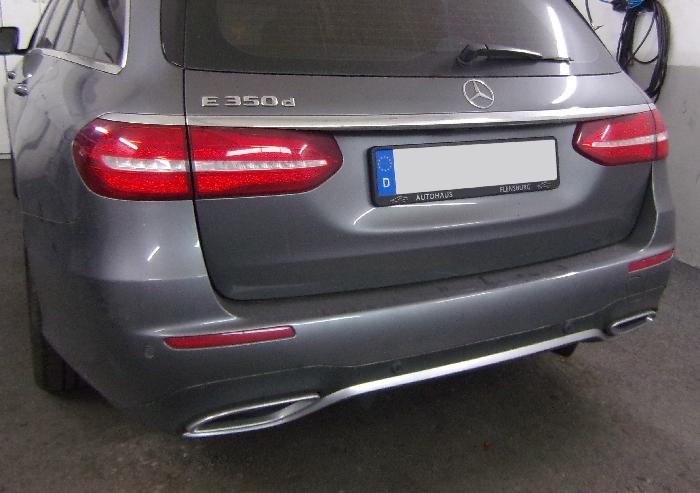 Anhängerkupplung Mercedes-E-Klasse Kombi W 213, spez. m. AMG Sport o. Styling Paket, Baujahr 2016- Ausf.:  vertikal