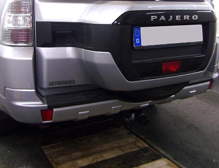Anhängerkupplung Mitsubishi-Pajero V80, langer Radstand, Baujahr 2007-