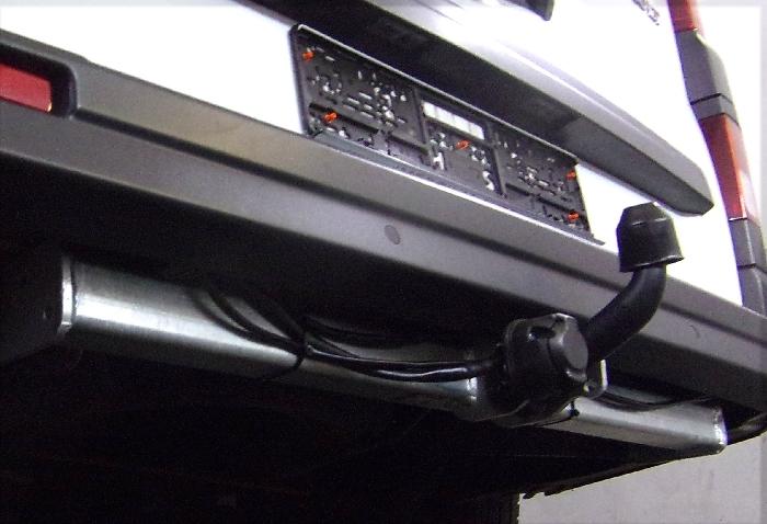 Anhängerkupplung für Renault-Trafic - 2014- Kasten, Bus,alle Ausf.:  feststehend