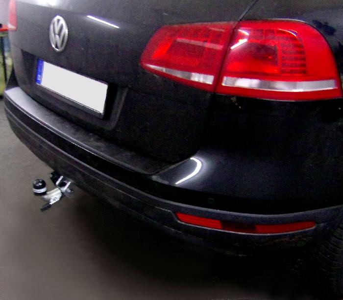 Anhängerkupplung für VW-Touareg - 2010-2017 f. Fzg. m. Reserverad am Boden Ausf.:  horizontal